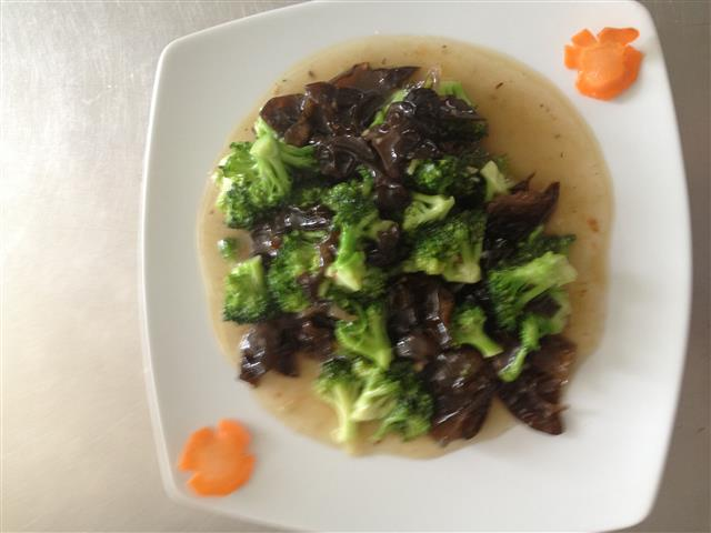 BROCCOLI WTH MUSHROOMS 300g.